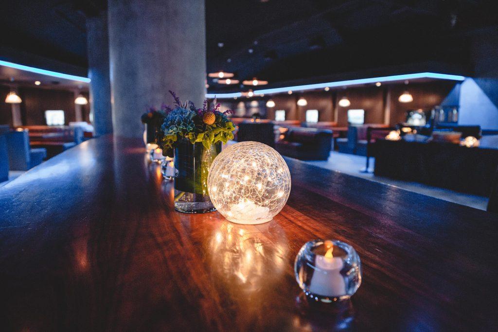 Pit Pub Table Setting